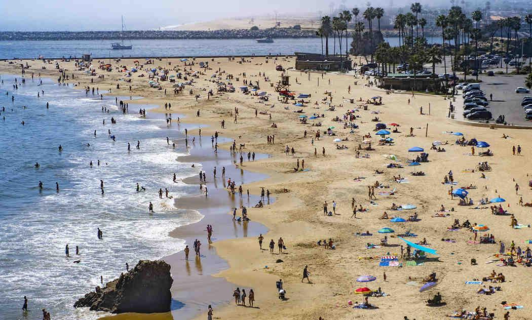 Can you swim at Del Mar beach?